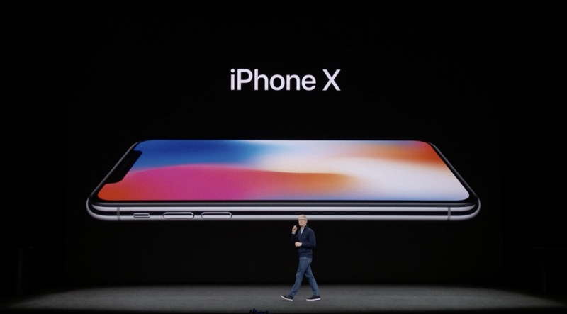 Apple představil iPhone X!